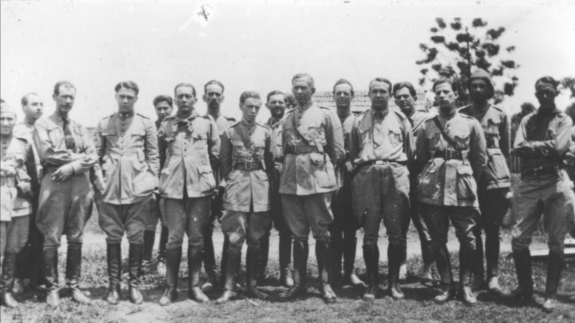 Revolução de 1930 - Ao centro Matos Costa - Foto de Claro Jansson