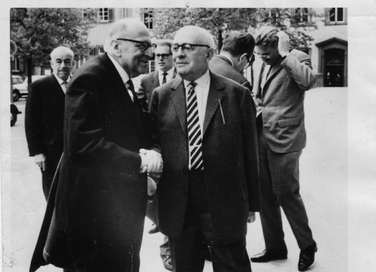 Adorno, Horkheimer, Escola de Frankfurt - Indústria Cultural